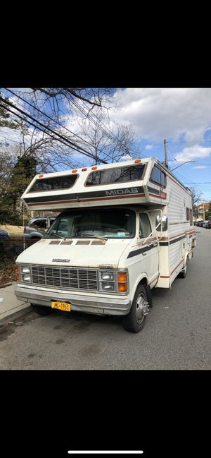 RV MOTORHOME DODGE CAMPER/ TRAILER for Sale in Queens, NY