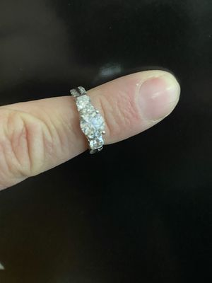 Diamond engagement ring for Sale in Columbia, MO