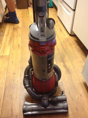 Vacuum dyson for Sale in Concord, CA