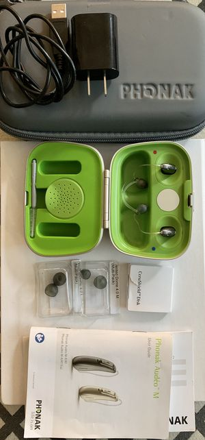 Phonak Audeo M90 RT hearing aid set of 2 with charging case for Sale in Sammamish, WA
