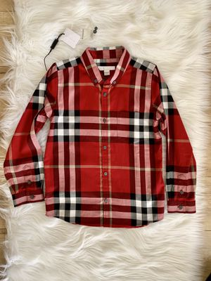 Burberry check red boy size 7 for Sale in Lawndale, CA