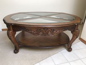 Coffee and End table set traditional for Sale in Bellevue, WA