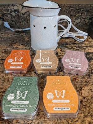 Scentsy set for Sale in Buena Park, CA