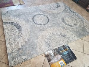 TORINO AREA RUG. BRAND NEW. FLORAL DESIGN for Sale in Moreno Valley, CA
