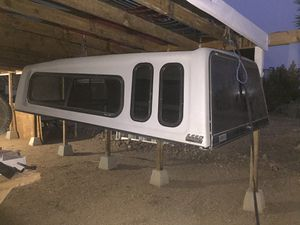 8' Camper Shell Custom for Sale in Pinon Hills, CA