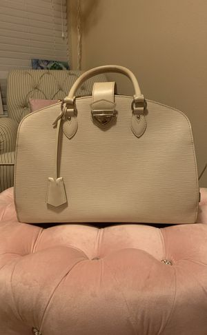 Louis Vuitton collection bag for Sale in Conroe, TX