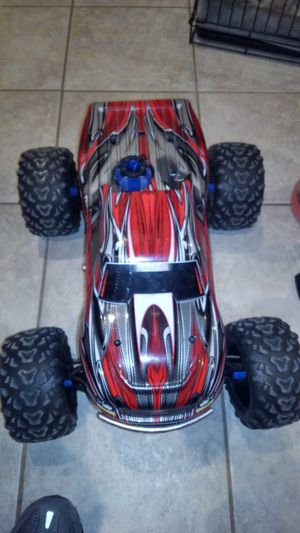 Traxxas T Maxx 3.3 like new for Sale in Bixby, OK