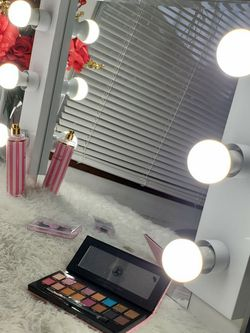 😍 vanity Mirror 6 Light 💋💄 for Sale in Vancouver,  WA