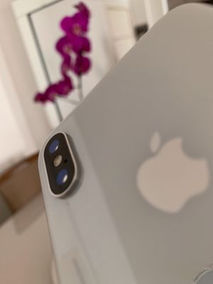 iPhone X 64 GB UNLOCKED for Sale in Winter Garden, FL