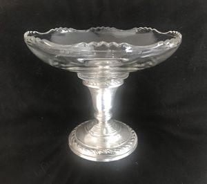 ANTIQUE AMSTON STERLING 540 CRYSTAL GLASS COMPOTE BOWL WITH CONVERTIBLE CANDLE STICK HOLDER FUNCTION for Sale in Pittsburgh, PA