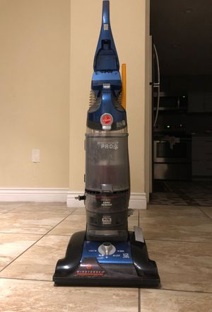 Vacuum marca Hoover for Sale in SUNNY ISL BCH, FL