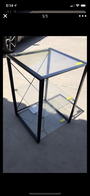 Glass end table for Sale in Chandler, AZ