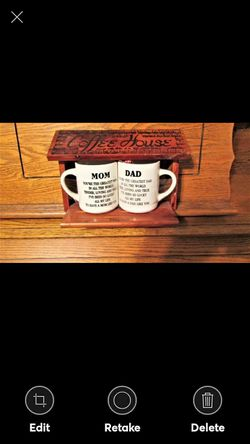 Mom and Dad Coffee Mug Set in Cedar Coffee House Stand for Sale in Lynchburg,  VA