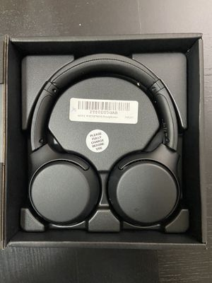 Sony WHXB700 for Sale in Aurora, CO