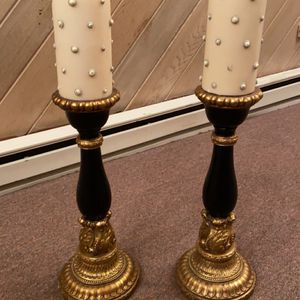 2 Candle Holders with matching Candles for Sale in Oceanside, NY