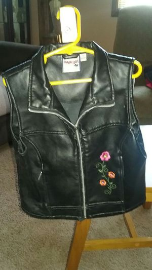 Girls real leather vest size 10/12 for Sale in Rolla, MO
