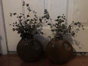 Vases with built in plant for Sale in Lakeland, FL