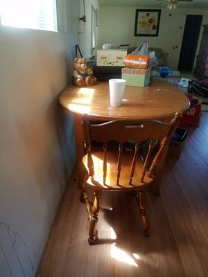 Ethan Allen kitchen table with 4 chairs for Sale in Eastampton Township, NJ