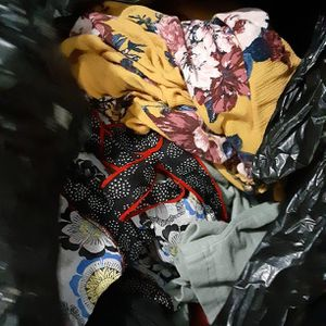 Free bag Of Ladies Clothes Size Large for Sale in Moreno Valley, CA