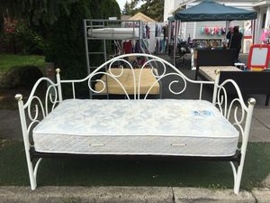 REALLY NICE TWIN BED!! for Sale in Portland, OR