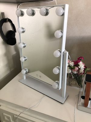 "Hollywood Makeup Vanity Mirror with Lights, Three-Tone Dimmer Design, 12"" W x 16"" H, White for Sale in Los Angeles, CA"
