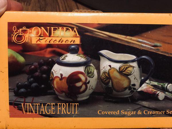 Onieda Veneto covered sugar & creamer set
