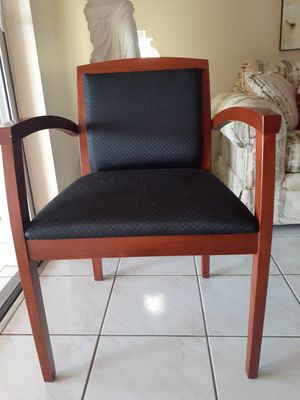 Five office chairs for Sale in Miami, FL