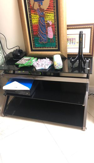 Tv stand for Sale in North Miami Beach, FL