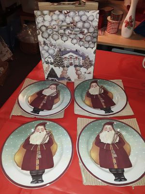 Set of 4 Christmas plates for Sale in Chicago, IL