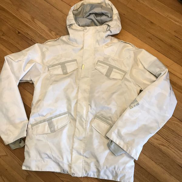 L* DC snowboarding jacket