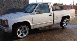 Chevy Silverado 1988 for Sale in Fresno, CA