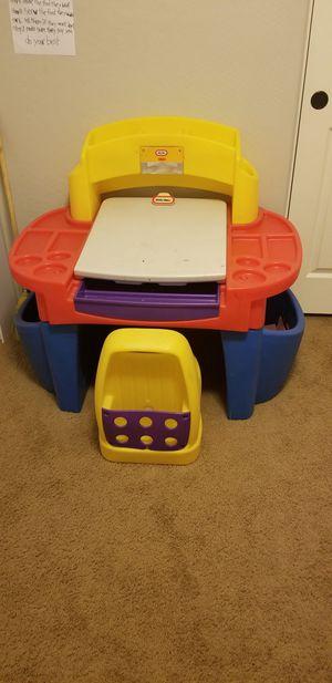 Kids desk for Sale in Tolleson, AZ