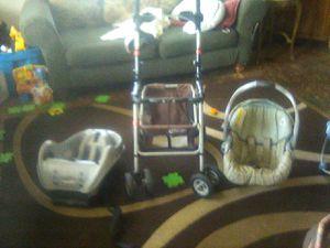3 piece Graco infant car seat for Sale in Philadelphia, PA