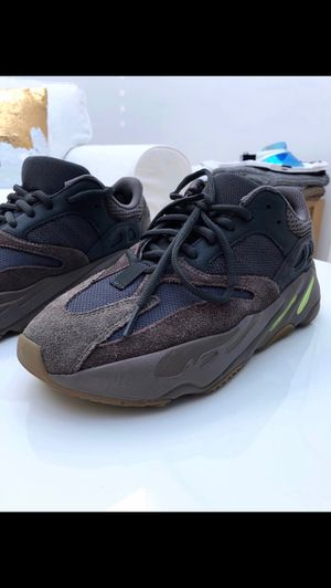 yeezy wave runner for Sale in Silver Spring, MD