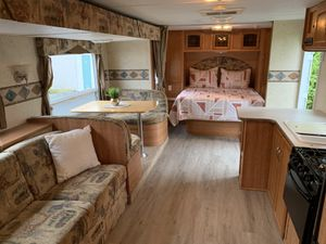 2007 keystone zeppelin 31ft with super slide for Sale in Puyallup, WA