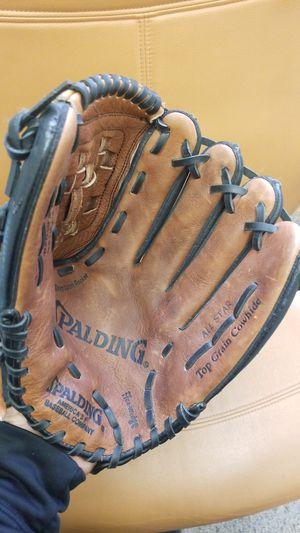 Spalding 12 inch softball or baseball glove for Sale in Avondale, AZ