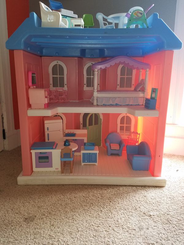 Little tikes doll house