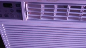 Window unit air conditioner for Sale in University City, MO