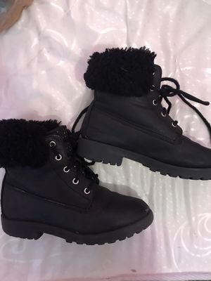 Little girl boots size 3 for Sale in Irving, TX