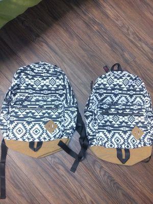 2 bolsas grandes for Sale in Saugus, MA
