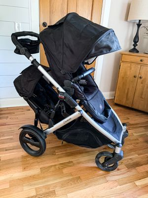 Britax B-Ready Double Stroller for Sale in Puyallup, WA