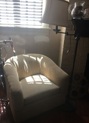 Vintage chair for Sale in Orlando, FL