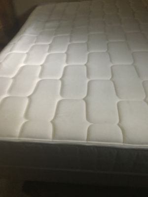 Queen bed for Sale in Hillsboro, OR