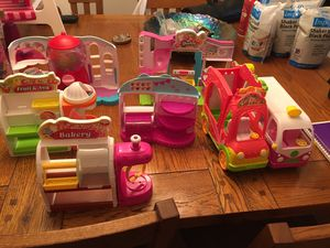 Shopkins food truck and stores for Sale in Baltimore, MD
