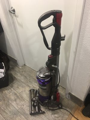 Dyson ball vaccum for Sale in Fresno, CA