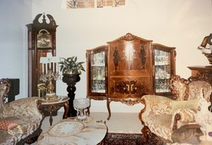 Antique China Cabinet for Sale in Dublin, CA