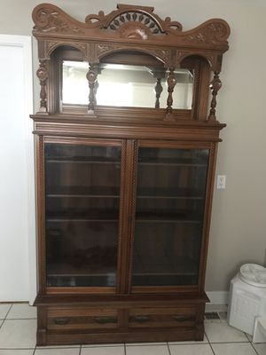 Antique China cabinet for Sale in Nashville, TN
