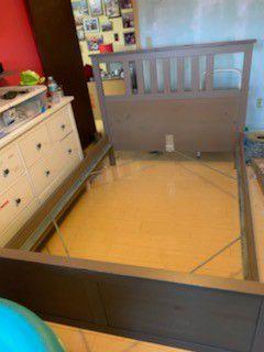 Bed frame for Sale in Miami, FL