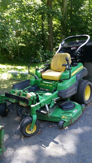 John Deere ZeroTurn 60 inch Runs Needs T.L.C for Sale in East Haddam, CT