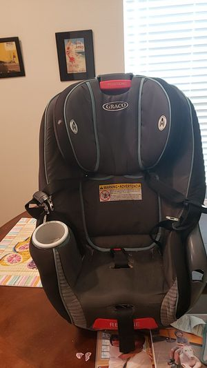 Car seat Graco adjustable for Sale in Melbourne, FL